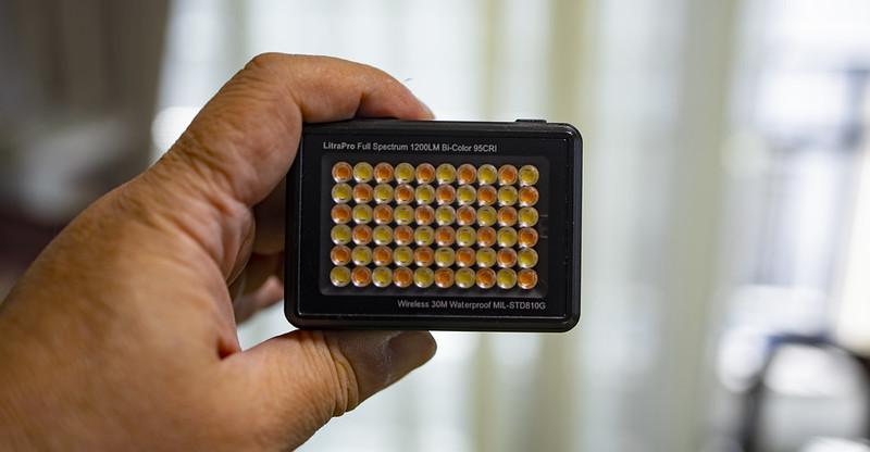やっぱ定常光。小型でワイヤレス調光可能なLEDライト:Litra Pro レビュー 1