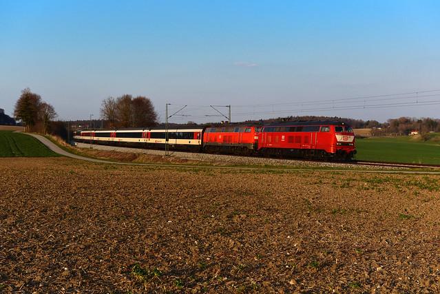 218 402-6 Rail Systems und 218 429-9 DB I EC 190 bei Kottgeisering (6958)