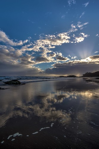 hdr sunrise eastcoast australia canon eos550d beach townbeach portmacquarie photomatix aperture3 clouds landscape sun 550d