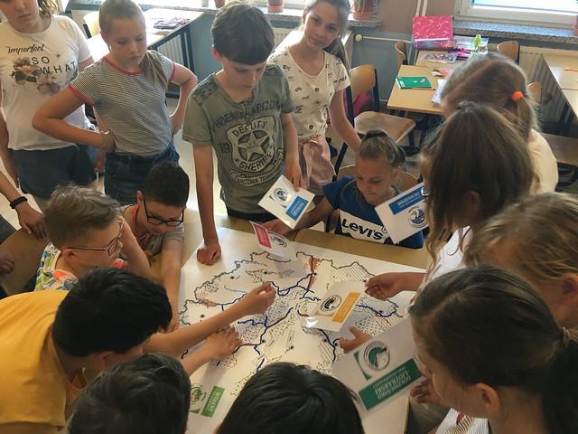 Lekcja o parkach krajobrazowych województwa Kujawsko-Pommorskiego w wykonaniu Basi dla klasy 5a