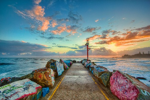 sunrise portmacquarie breakwall hdr topazadjust nsw australia eastcoast coastline canon eos550d photomatix aperture3 clouds landscape sun 550d graffitiart