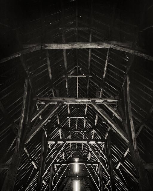 Great Coxwell Barn Roof 8x10 FP4+ º»