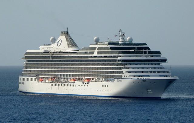 Cruise Ships off Grand Cayman