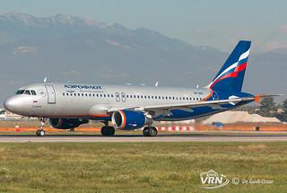 5.1 VP-BZP A320-214