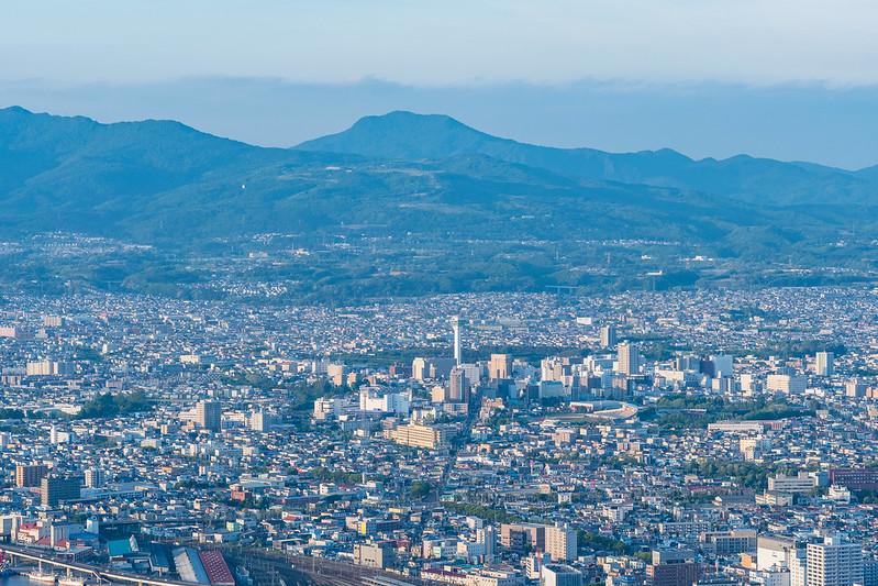 函館山展望台から五稜郭タワーを中望遠レンズで撮影