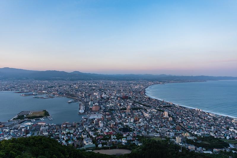 函館山展望台からの夜景・日没15分前