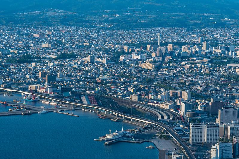 函館山展望台から函館駅付近を中望遠レンズで撮影