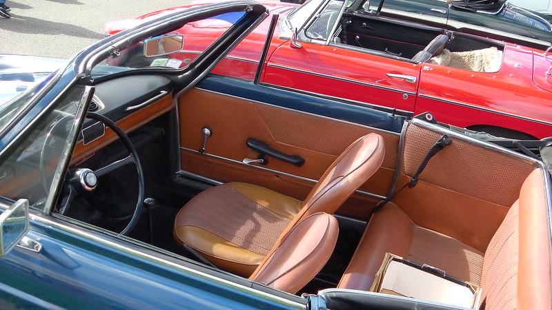 FIAT 850 Spider Vignale  1967 - Rambouillet Juin 2019 48073243512_323bbe4248_c