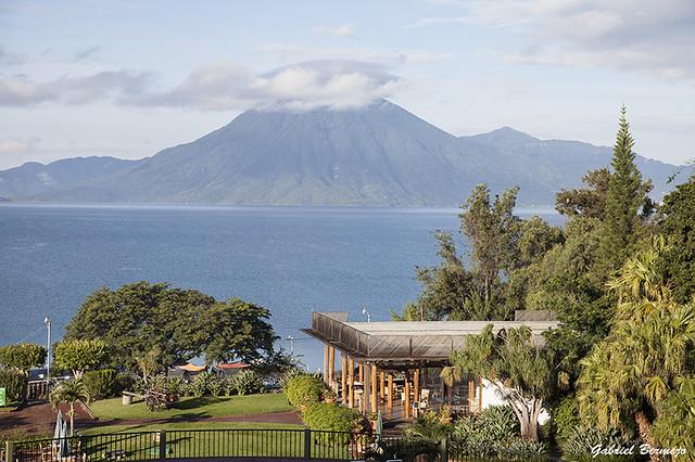 Volcán San Pedro desde el Hotel Porta del Lago - Guatemala