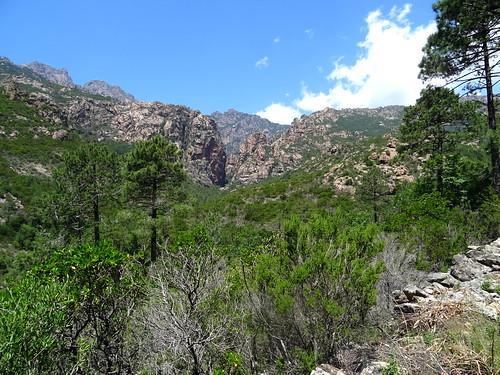 La brèche du Carciara depuis le chemin de Paliri classique à la montée