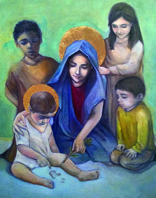 El cuadro muestra a la Virgen en el acto natural de enseñar a su Hijo que escribe en la arena la primera ley de oisés