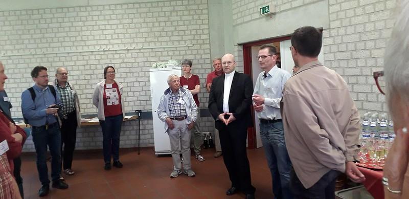 XXXV Encuentro de Curas Obreros. Foto con el obispo
