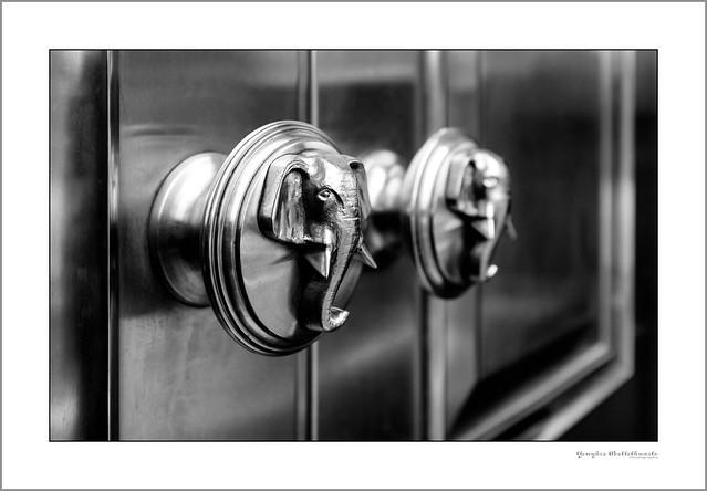 Cutlers' Hall door knobs