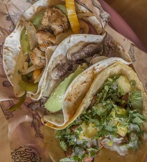 Tacos Pastor Pirata y  Safari copia
