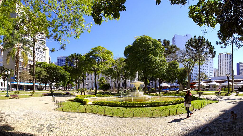 Praça Santos Andrade Curitiba