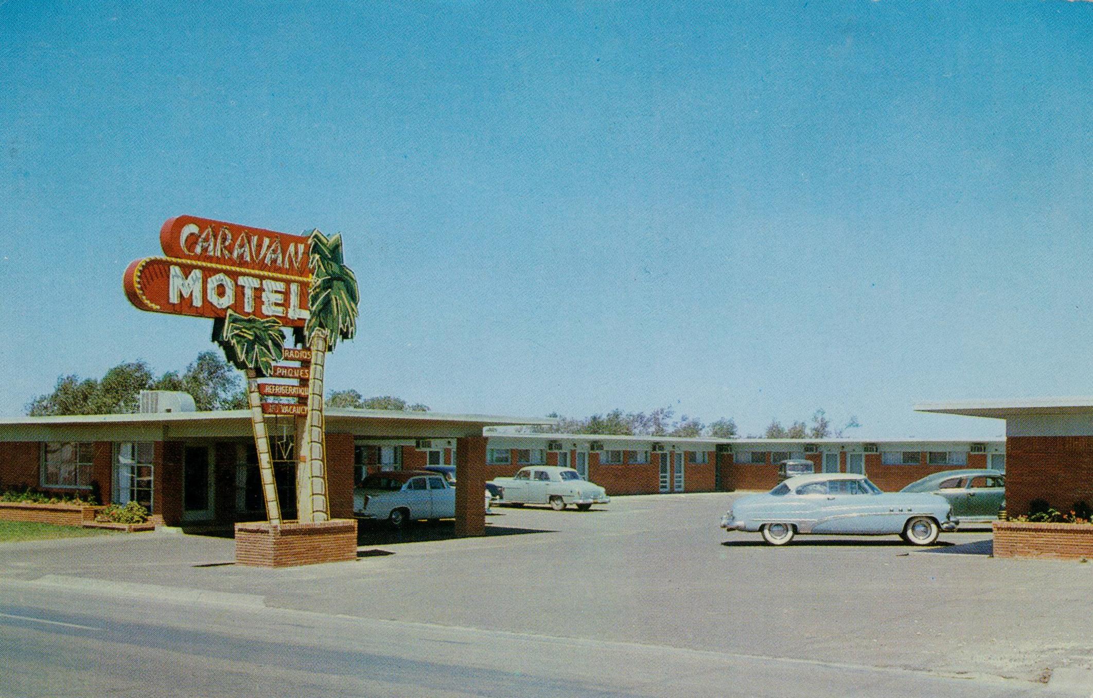 Caravan Motel - 620 West Amarillo Boulevard, Amarillo, Texas U.S.A. - 1950's