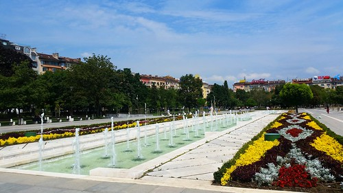 Fountains in front of NDK / Фотнатинте пред НДК