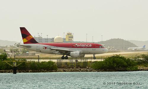 aruba oranjestad renaissanceisland aua avianca airbus a319 hccsb tnca tncaaua fjroll ©freddie