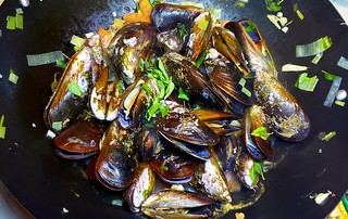 #150619 #dinner #shellfish #mussel #jantar #mariscada