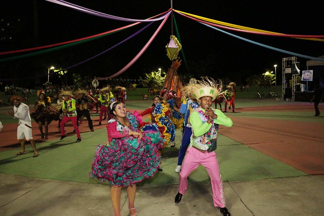 Quadrilha, ciranda, boi-bumbá e samba animam última noite do Festival da Cultura Popular