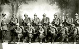 Reserve-Infanterie-Regiment Nr. 52, Jüterbog, August 1915 / S.14 Gottscho bayonets