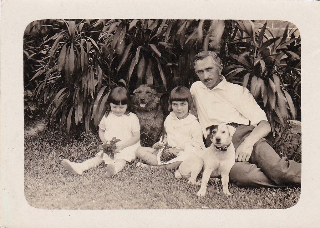 Hugh James , and daughters Beryl and Gwyneth (Winkie}