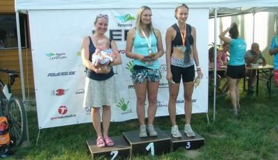 Hradecký triatlon vyhráli Bursík a Chmelařová