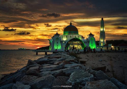 malaysia malacca melaka sunset mosque straitsmosque dramaticsky clouds antonifigueras sonya7riii sony24105f4 masjidselat