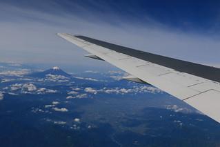おとなびWEBパスの旅2019 - 小松行き上空からの富士山