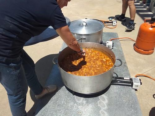 Preparant el dinar de dissabte: sípia amb patates