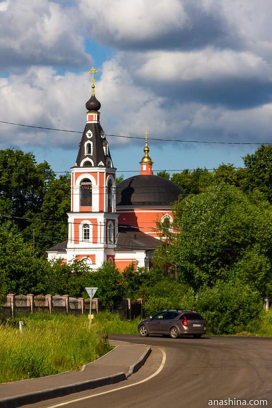Храм Архангела Михаила в Белоусово