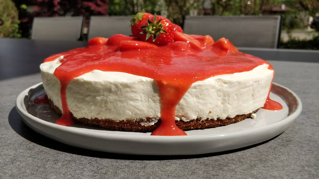 No-Bake-Cheesecake mit Erdbeer-Topping