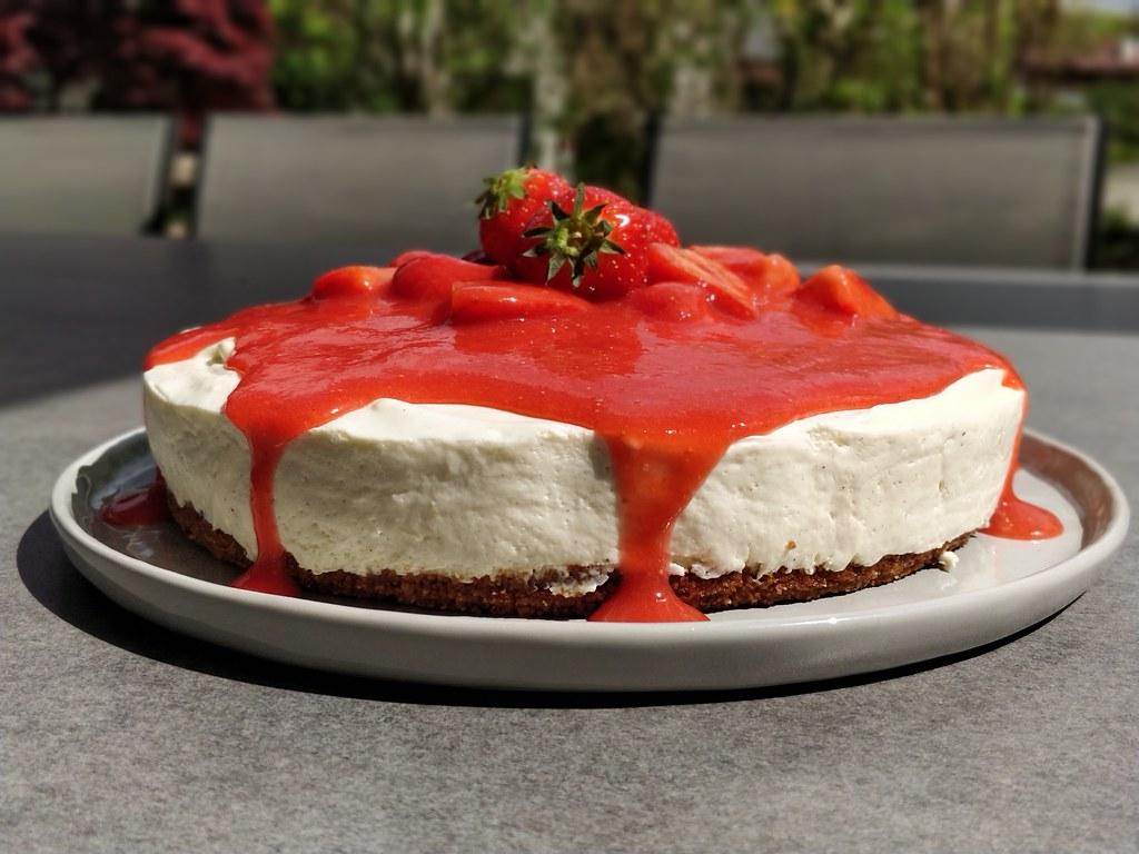 No-Bake-Cheesecake mit Erdbeer-Topping