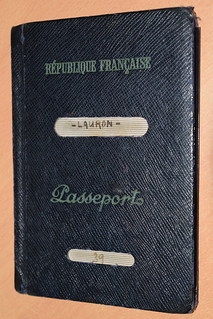 Old french passport of 1954