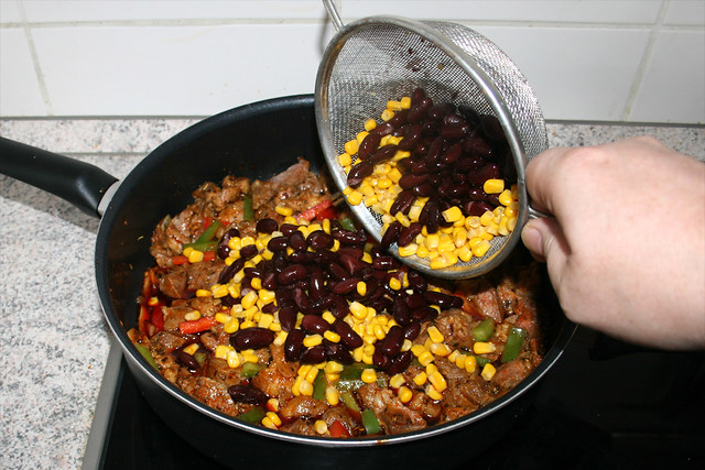 15 - Mais & Kidneybohnen addieren / Add corn & kidney beans
