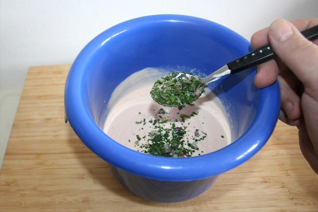 08 - Mit italienischen Kräutern verfeinern / Season with italian herbs