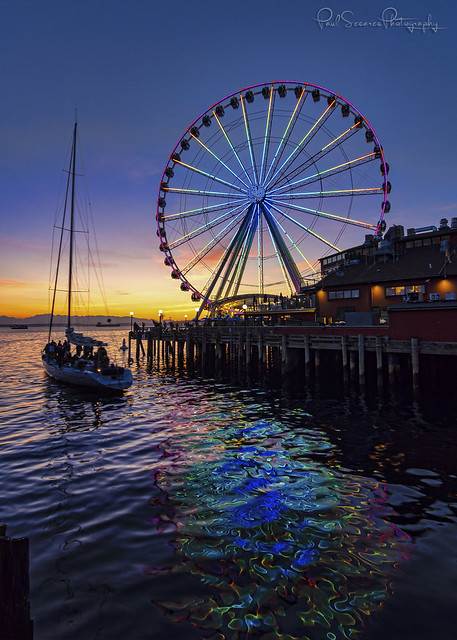 A SailBoat & Seattle Great Wheel