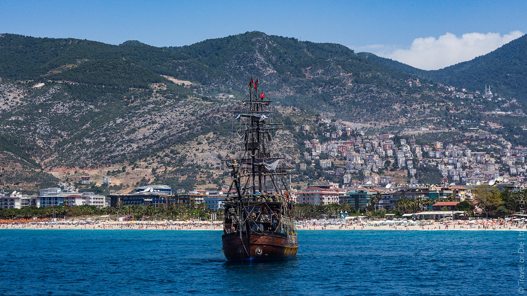 Pirate-Yacht-Alanya-Прогулка-на-пиратском-корабле-в-Алании-5139