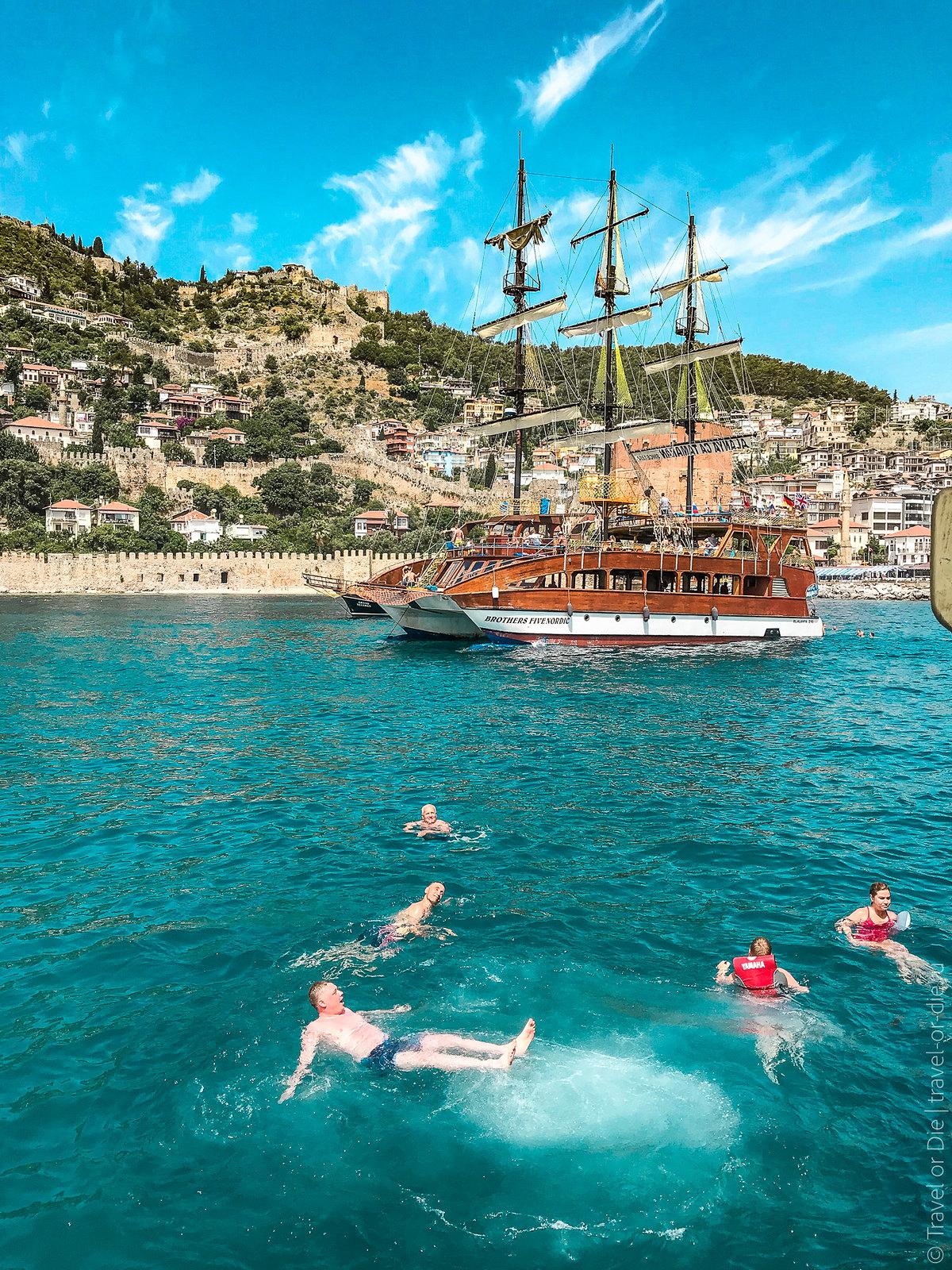 Pirate-Yacht-Alanya-Прогулка-на-пиратской-яхте-в-Алании-7105