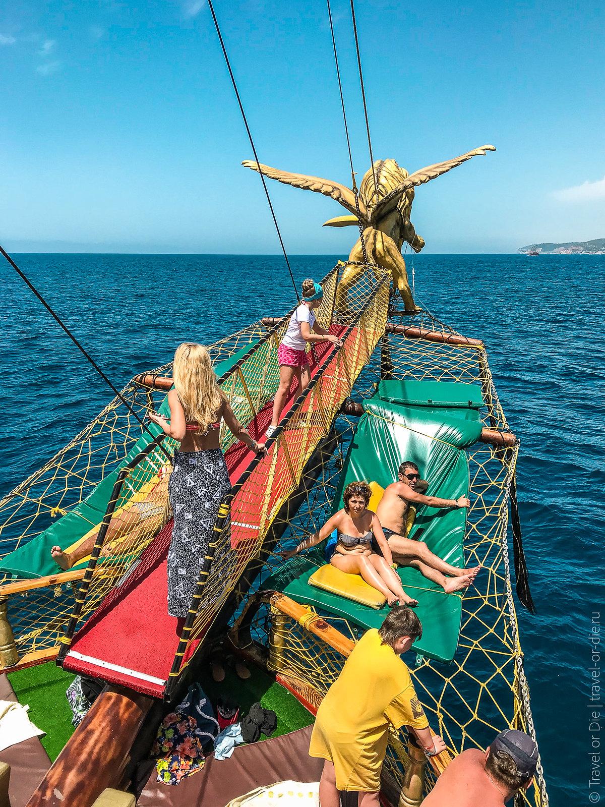 Pirate-Yacht-Alanya-Прогулка-на-пиратской-яхте-в-Алании-7163