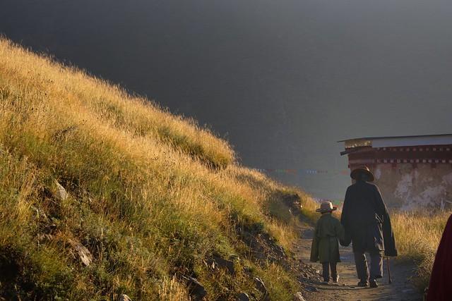 Sunrise kora walk at Sershul, Tibet 2018