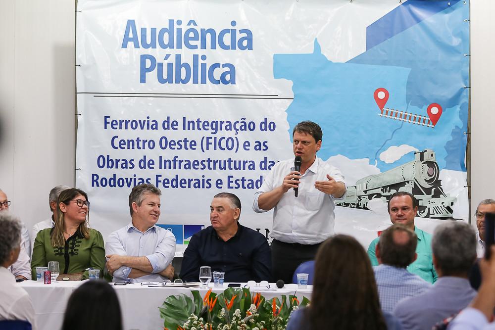 Audiência pública debate a construção da Ferrovia de Integração do Centro-Oeste (FICO)