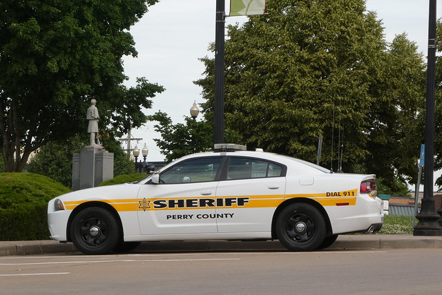 Perry County Sheriff Dodge Charger - Perryville, MO_P1030586