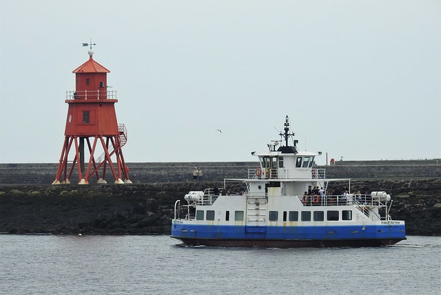 Pride of the Tyne Ferry and Groyne Lighthouse