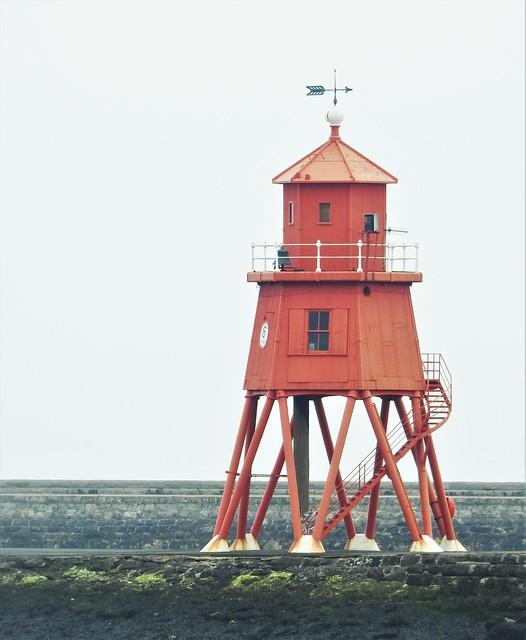 Groyne Lighthouse - South Shields