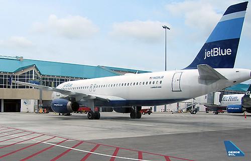 JetBlue A320 en AUA (Gastón Doval)