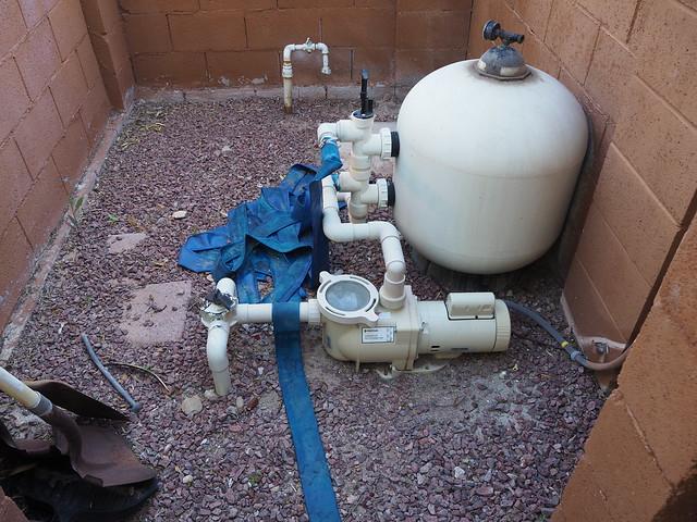 S4283437 Tucson rental house backyard pool pump