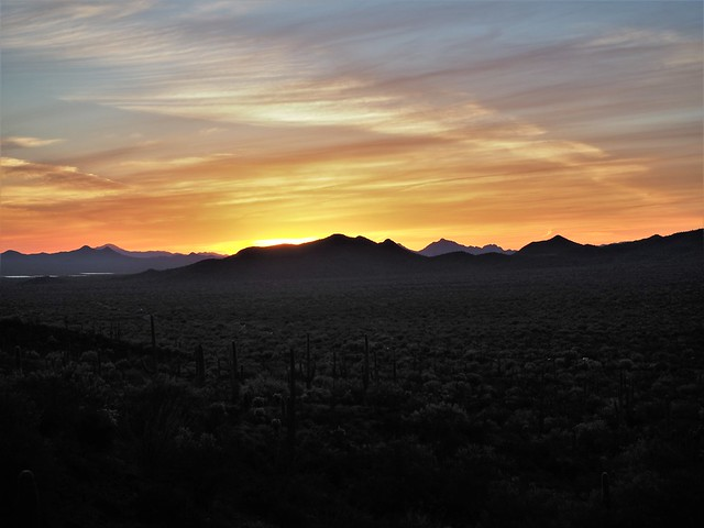 S4273378 west of Tucson sunset copy shad100 high-40 clar38