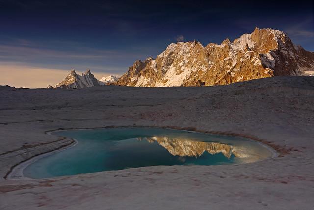 Pamshe Peak: Morning sunshine