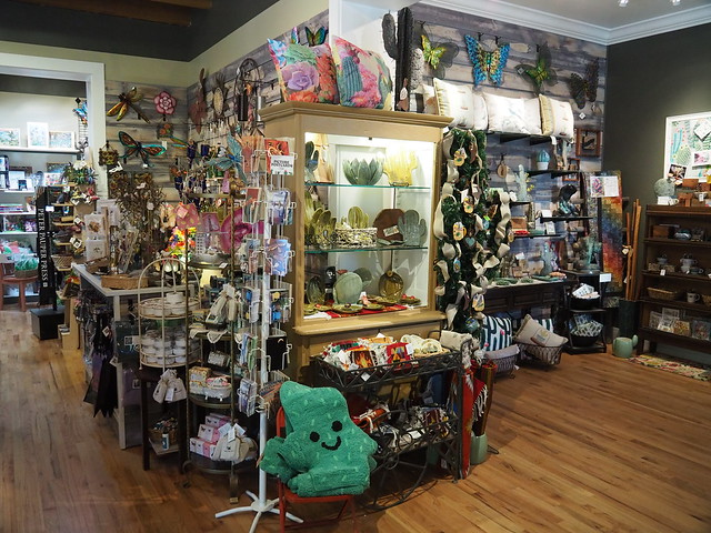 S4283474 Tucson Botanical Gardens gift shop
